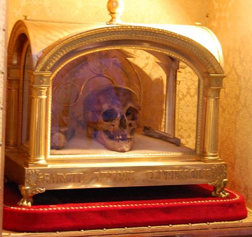 relic-saint-Ivo-of-Kermartin-1